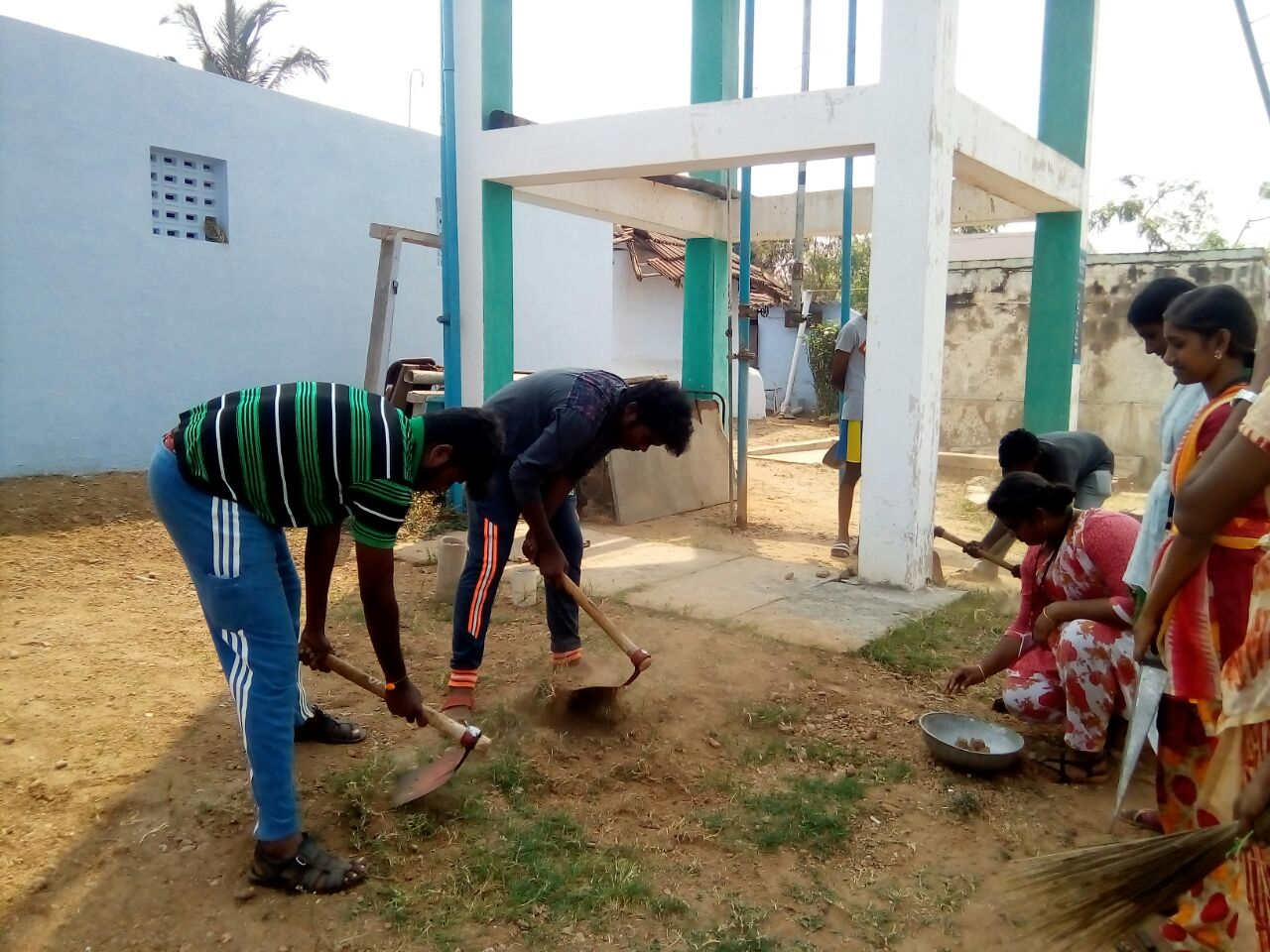 Cleaning work of traditional water resources